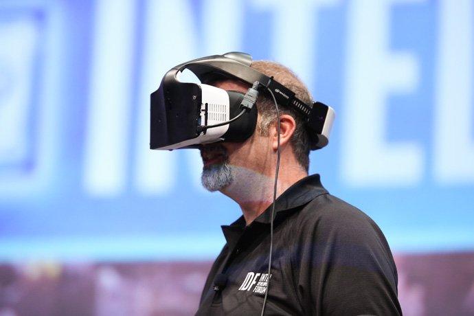 Project Alloy pri udalosti 2016 Intel Developer Forum (Zdroj : Intel)