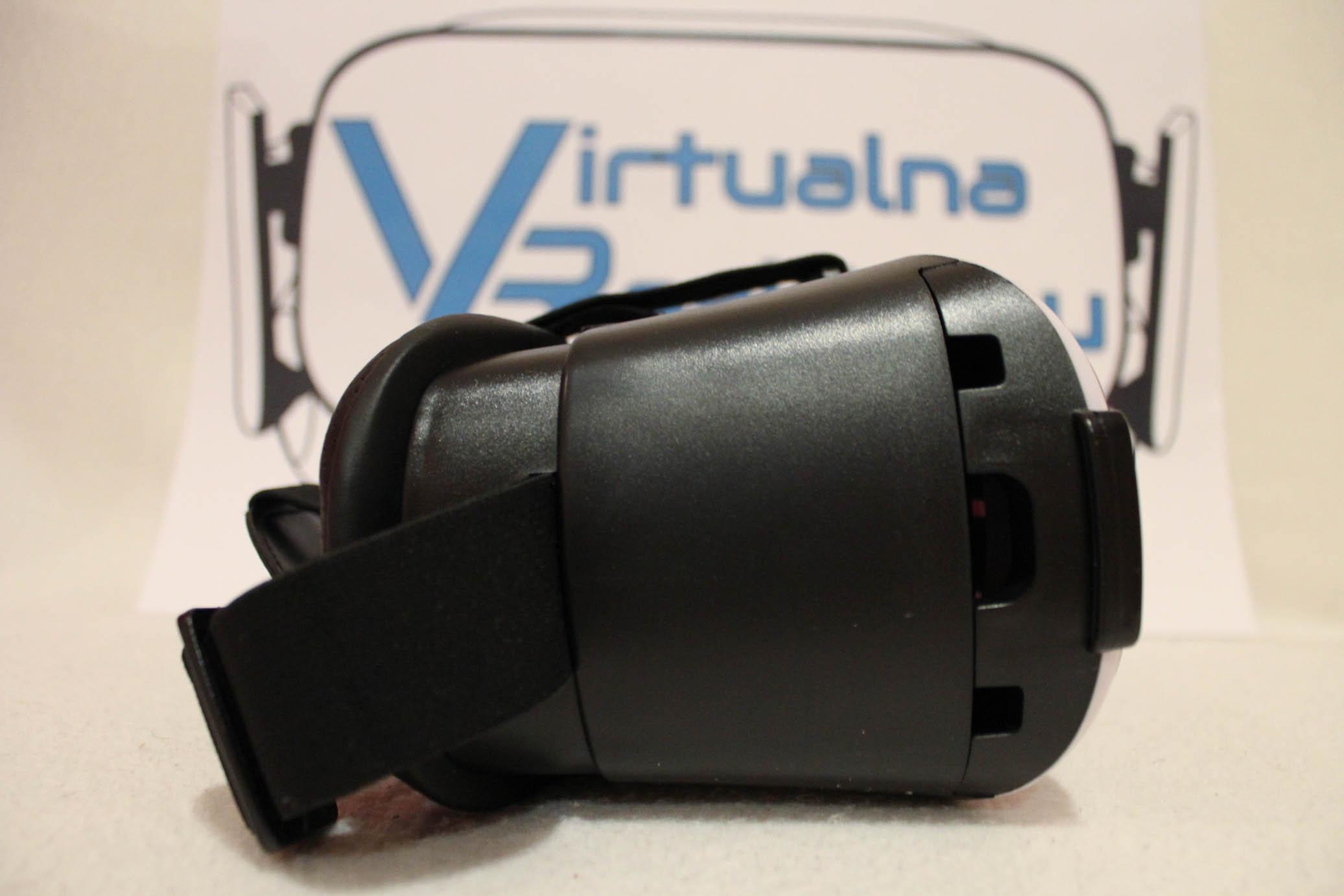 ... o výborný a ľahko dostupný headset. V krabici sa okrem okuliarov  nachádza aj handrička a čistiaci prostriedok na šošovky. Šošovky by mali  mať zobrazenie ... 6d70a97dd80