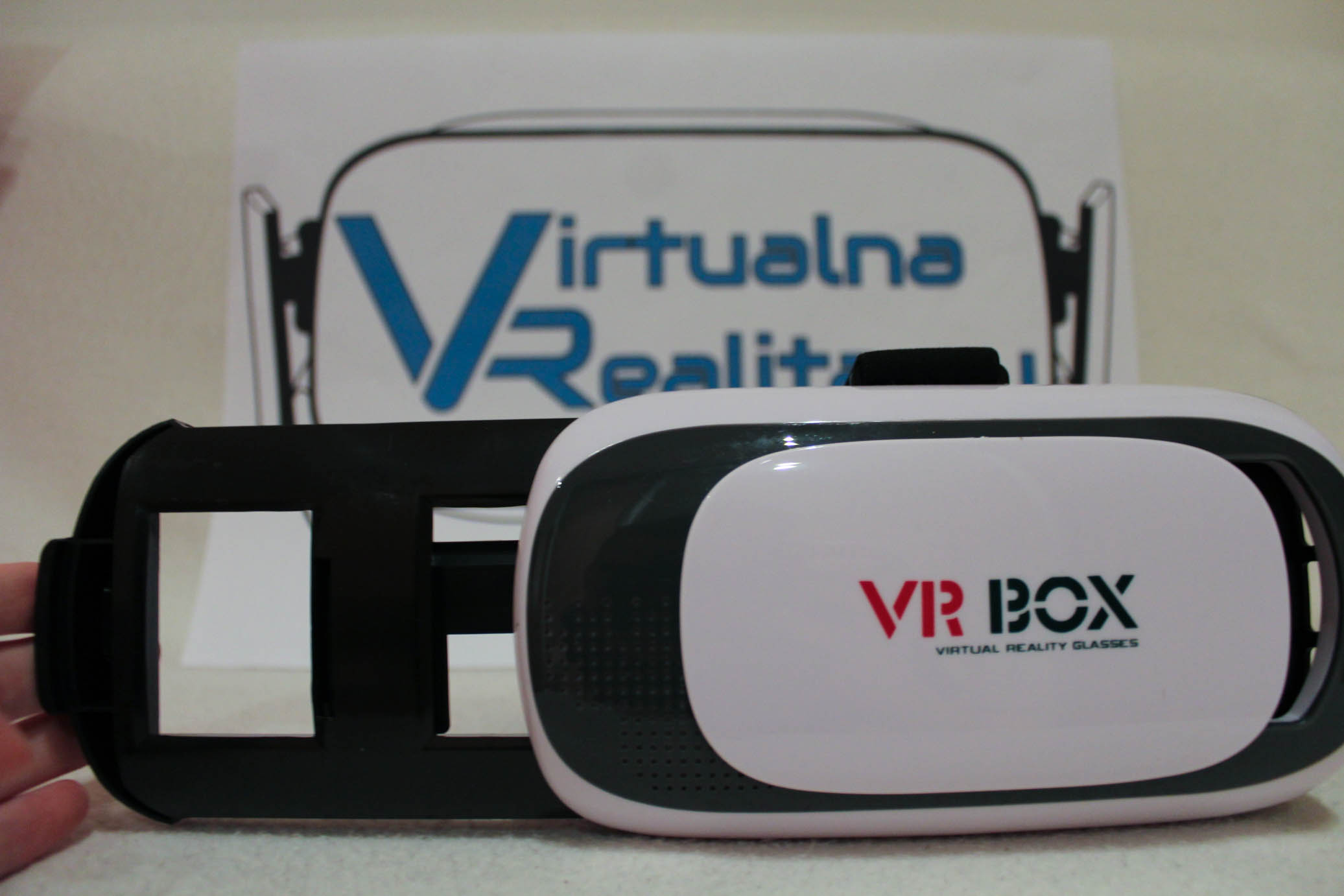 VR BOX 2.0 je jeden z najpredávanejších headsetov pre mobilnú VR df80b6b5442