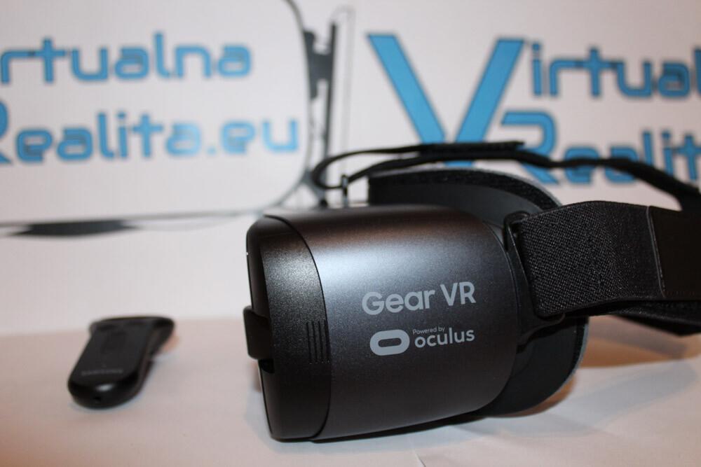 Headset má 44mm optiku a zabezpečuje 101° zorné pole. K headsetu dostanete  aj ovládač d947e199e16